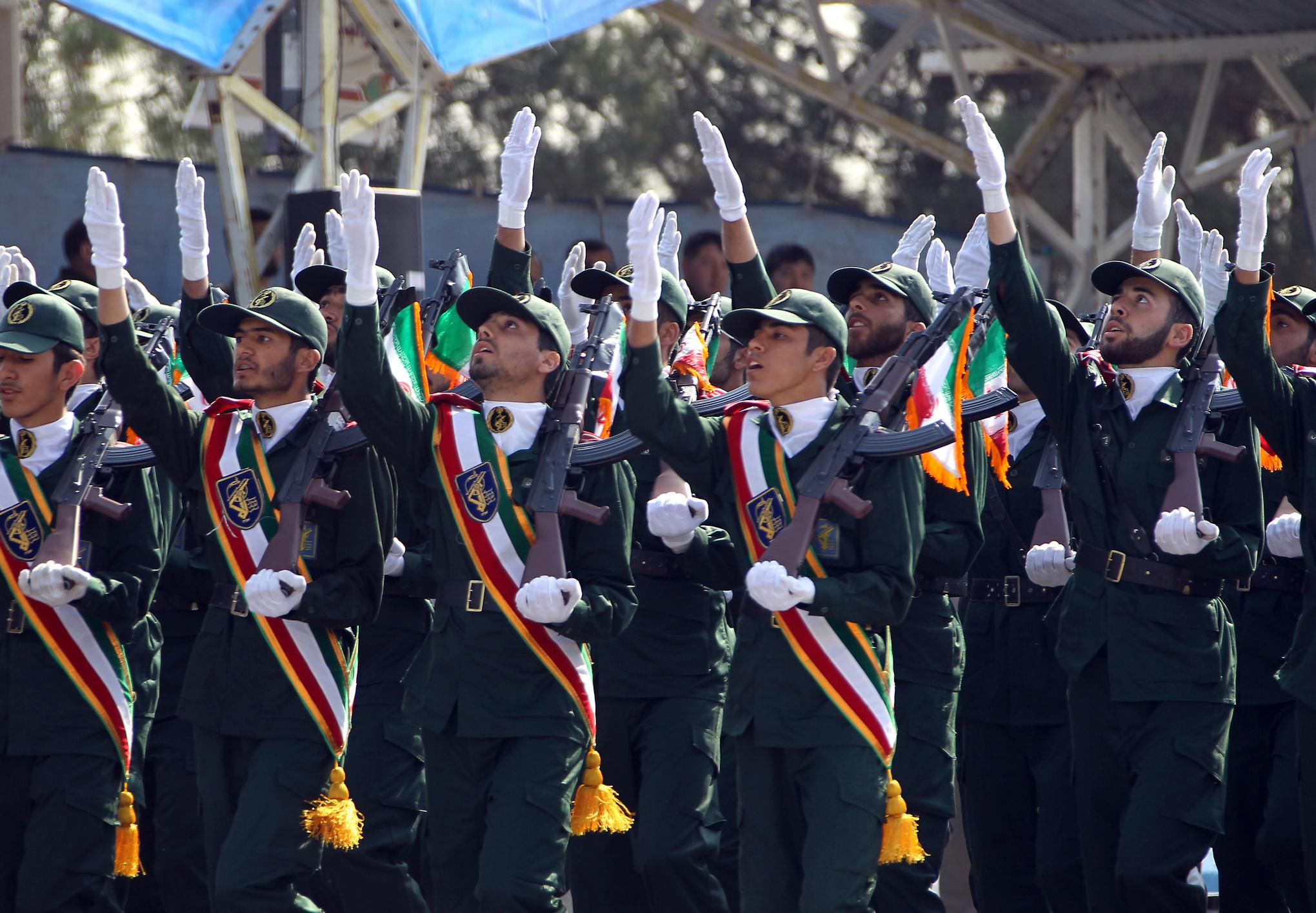 Iranian elite revolutionary guards march