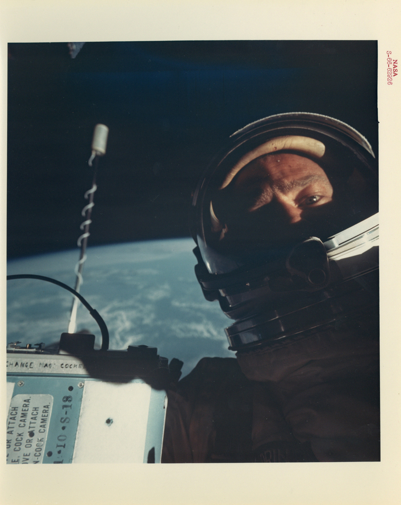 buzz-aldrin-selfie-space-nasa