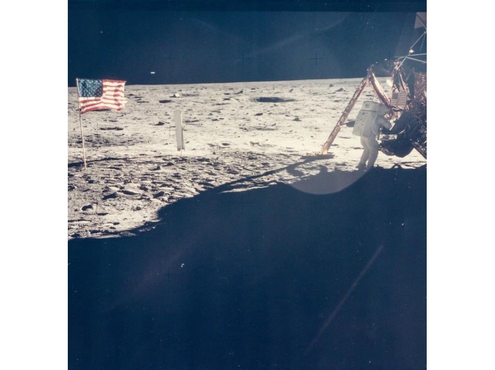 La seule photo de Neil Armstrong sur la Lune, prise par Buzz Aldrin.