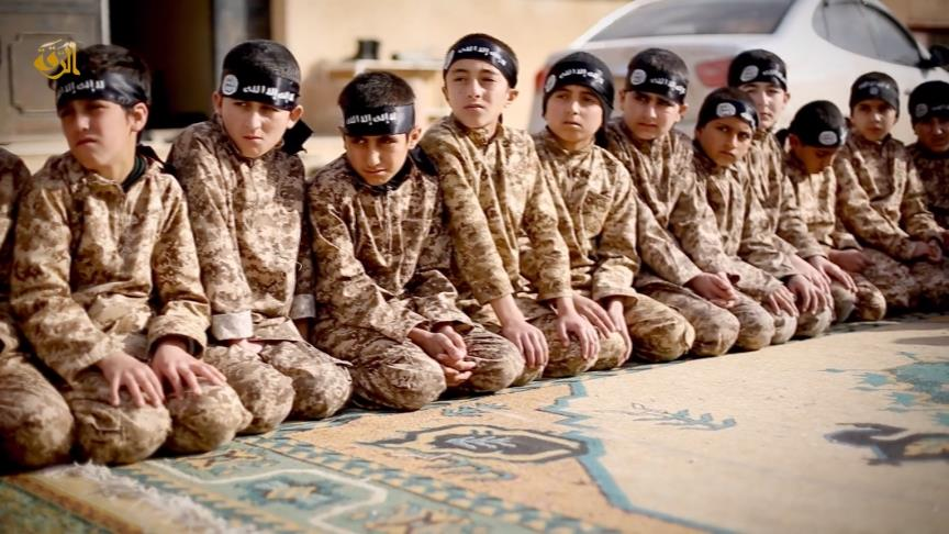 kids-raqqa-daesh-14